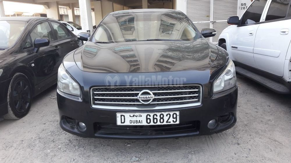 used nissan maxima 2010 car for sale in sharjah 767302. Black Bedroom Furniture Sets. Home Design Ideas