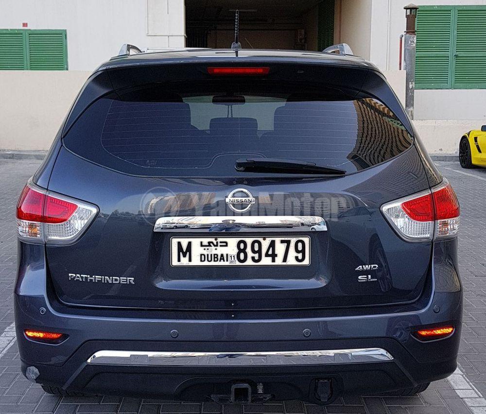 used nissan pathfinder 2013 car for sale in dubai 767641. Black Bedroom Furniture Sets. Home Design Ideas