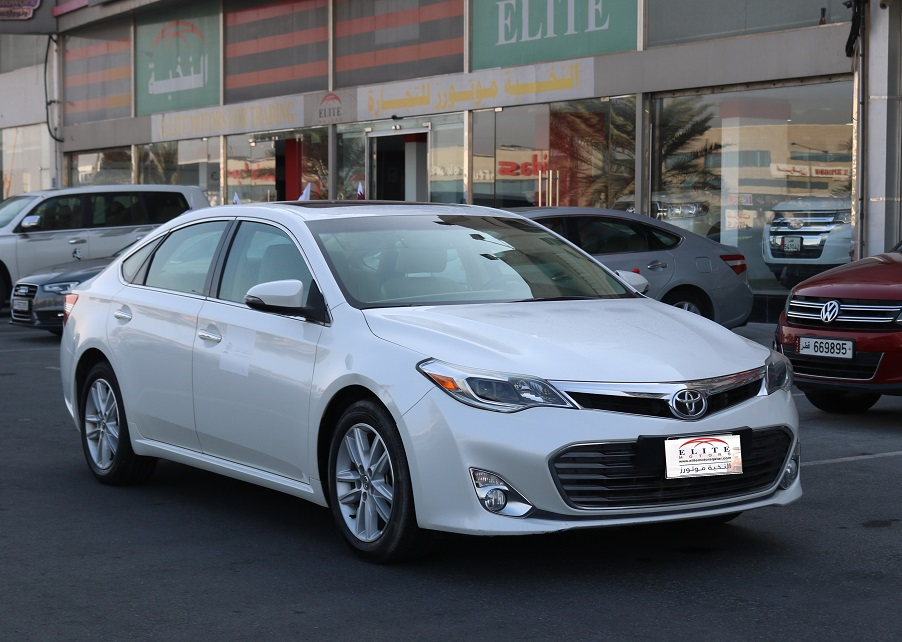 used toyota avalon 2014 car for sale in doha 770124. Black Bedroom Furniture Sets. Home Design Ideas
