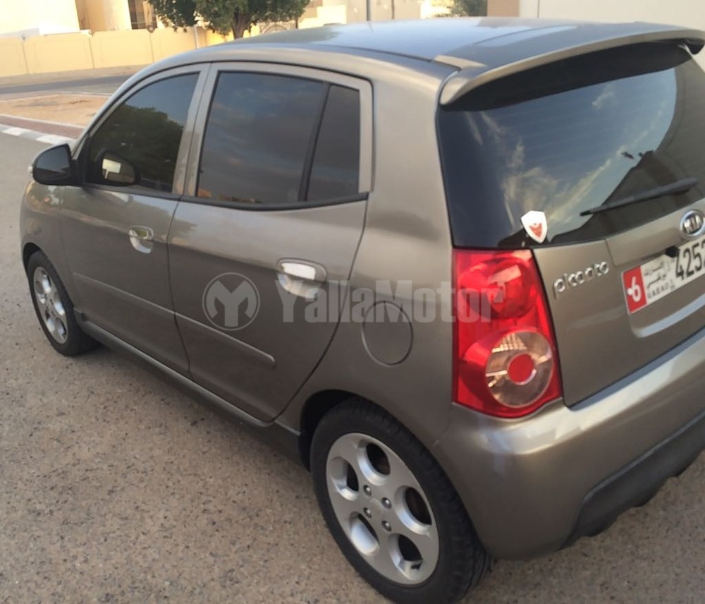 used kia picanto 2009 car for sale in abu dhabi 770426. Black Bedroom Furniture Sets. Home Design Ideas