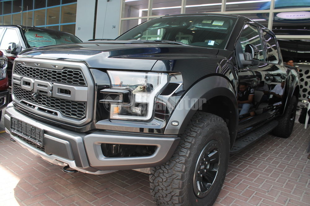 New Ford F-150 6.2L Raptor 2017 Car for Sale in Dubai