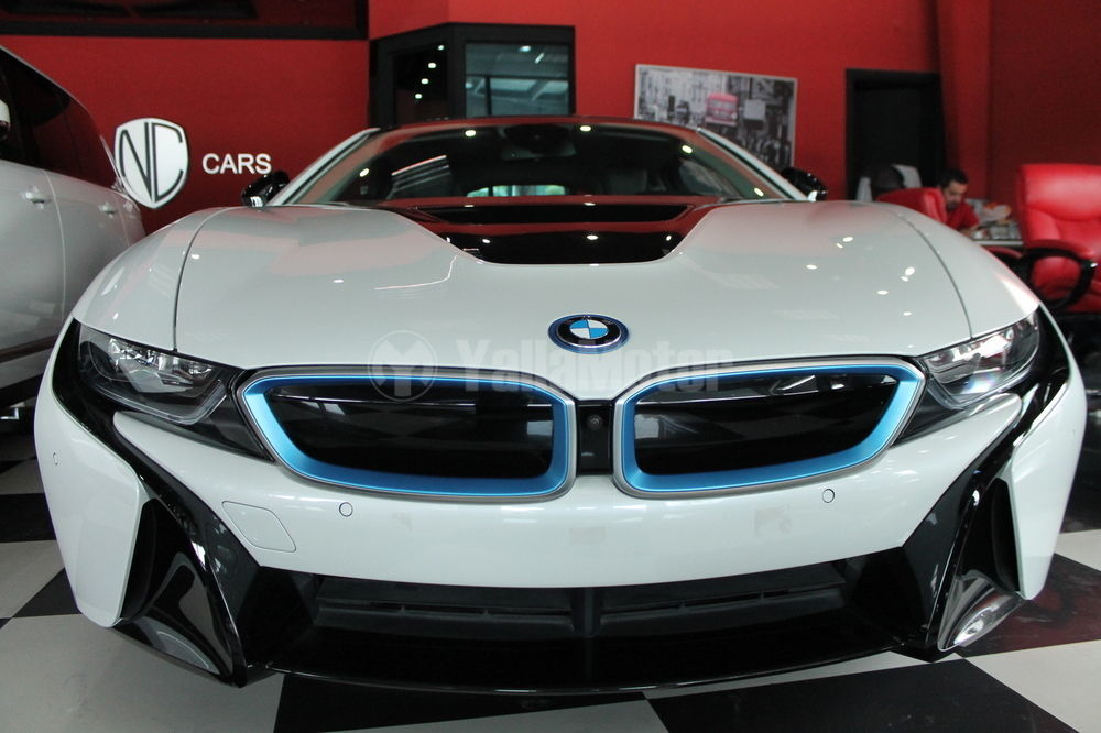 used bmw i8 2017 car for sale in dubai 711052. Black Bedroom Furniture Sets. Home Design Ideas