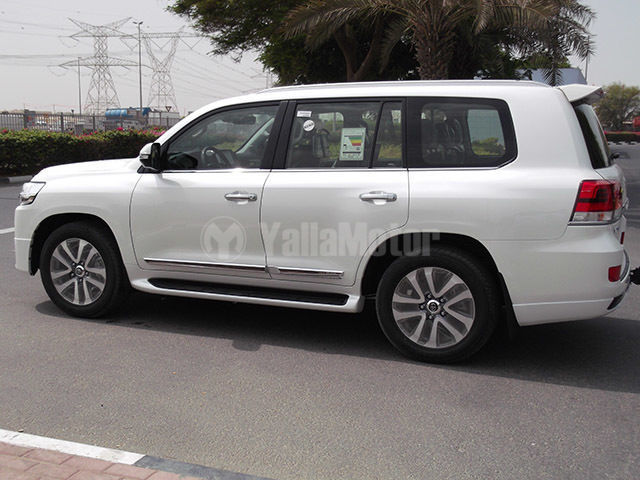 New Toyota Land Cruiser 5 7l Vxr 2017 Car For Sale In Muscat