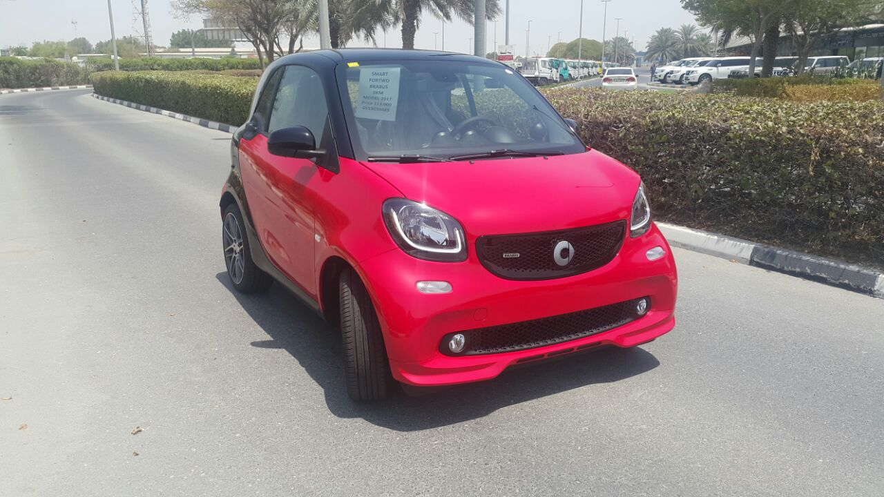 used smart brabus fortwo 2017 car for sale in dubai 744078. Black Bedroom Furniture Sets. Home Design Ideas