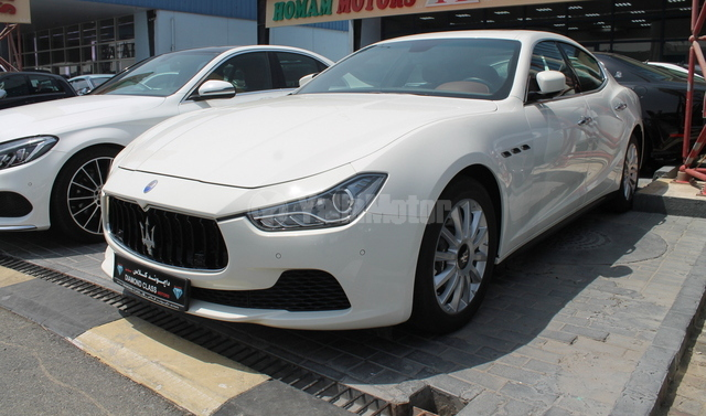new maserati ghibli 2015 car for sale in dubai. Black Bedroom Furniture Sets. Home Design Ideas