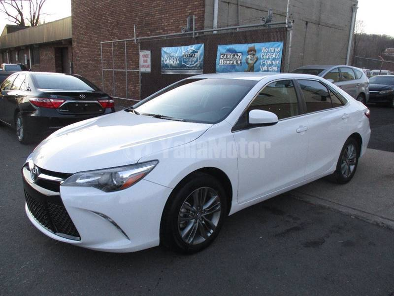 used toyota camry 2 5l se plus 2015 car for sale in muscat 773120. Black Bedroom Furniture Sets. Home Design Ideas