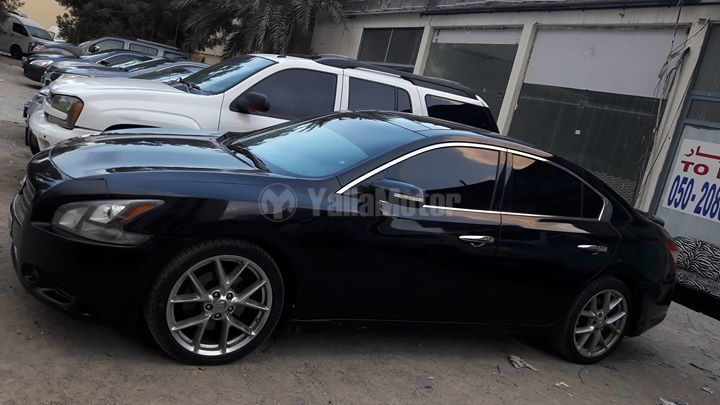 used nissan maxima 2010 car for sale in sharjah 773901. Black Bedroom Furniture Sets. Home Design Ideas