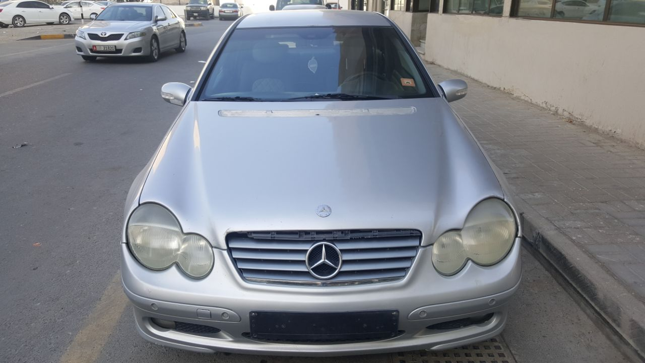 Used mercedes benz c class c 200 2002 car for sale in for Mercedes benz c class used cars for sale