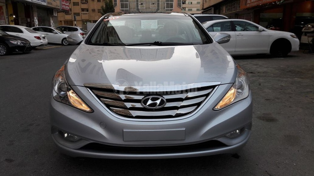 used hyundai sonata 2012 car for sale in sharjah 781278. Black Bedroom Furniture Sets. Home Design Ideas