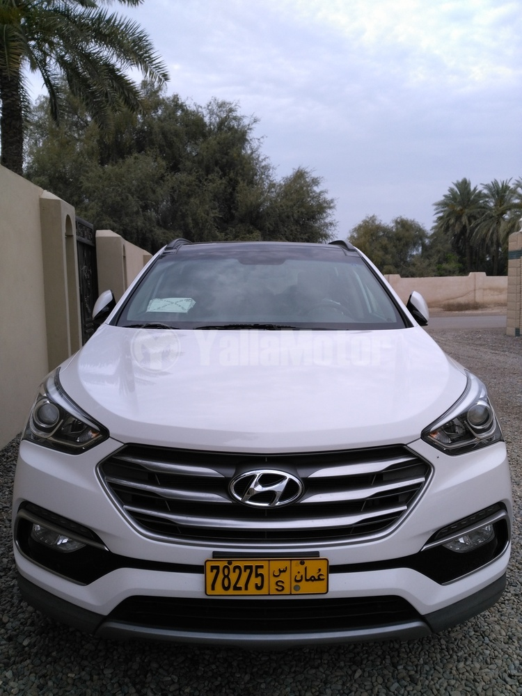 used hyundai santa fe 2016 car for sale in muscat 783314. Black Bedroom Furniture Sets. Home Design Ideas