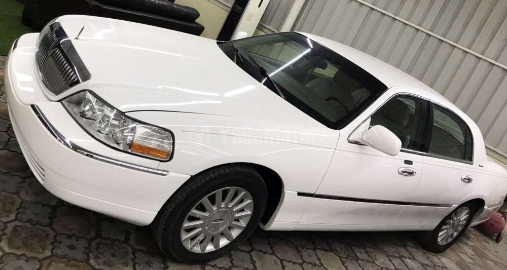 Used Lincoln Town Car 2003 Car For Sale In Ajman 784148